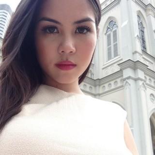 Singapore Anmari Van Nieuwenhove on FollowMeMaybe.com