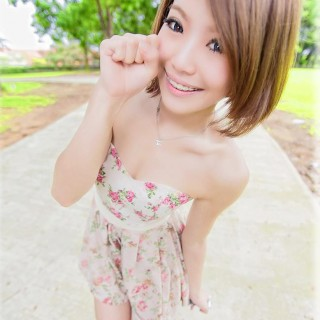 Singapore Wendy QQ Koo at FollowMeMaybe.com